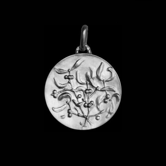 mistletoe necklace